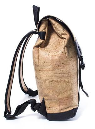 Rucksack aus Kork natur von der Seite