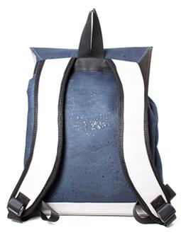 Rucksack von hinten aus blauem Kork